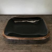 山本勘弥の黒釉角鉢