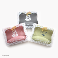"""Disneyデザインシリコンビブ    """"Give me a bite !"""""""