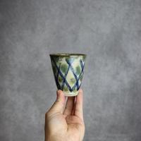 7013083【榮一工房】緑・呉須釉 格子点打紋 コップ(小)  ①