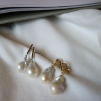 baroque pearl  gold pierce/ earring