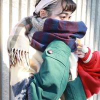 色に抱かれた彼女のマフラー 冬服編 / nisai