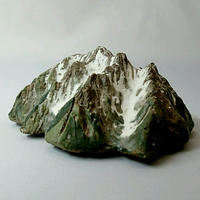 剣岳  Mt.Thurugi  (h4.5×w11.5×d10.5cm)