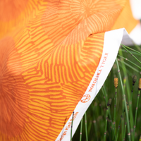 <受注販売> Maskros Orange ファブリック (幅147cm x 長さ120cm)