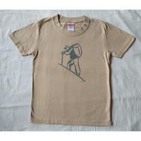 マメイケダ:涸沢ヒュッテ山小屋Tシャツ「登山者」kids