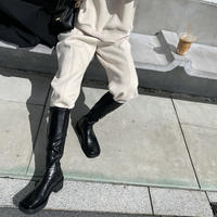 Volume flat stretch boots