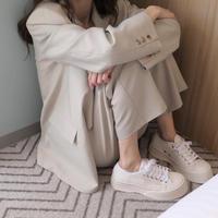 platform white sneaker