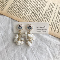 ピアス | red flower & white stones