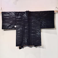 化繊 羽織 黒地にキラキラの葉柄 h34