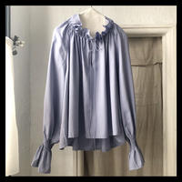 gather frill blouse / refuge