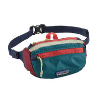 Patagonia(パタゴニア) ライトウェイト・トラベル・ミニ・ヒップ・パック #49446 カラー  Patchwork: Arrow Red w/Classic Navy (PARC)