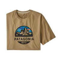 Patagonia(パタゴニア) レディース対応 メンズ・フィッツロイ・スコープ・オーガニック・Tシャツ #38526 Classic Tan (CSC)