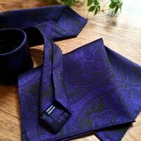 Oguri Original ネクタイ&ポケットチーフ 大柄ペーズリー 紫×ブラック