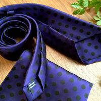 Oguri Original ネクタイ&ポケットチーフ 水玉 ブラック×紫