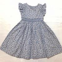 【新作SALE】Malvi&Co.(マルヴィー) スモッグ刺繍ワンピース/ブルー小花柄