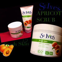 ST.Ives APRICOT SCRUB normal size-粒が細かい-