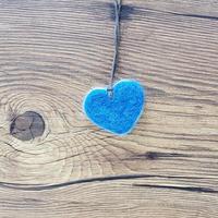 羊毛フェルト首飾り[FE-KO-14] ブルー&ホワイト