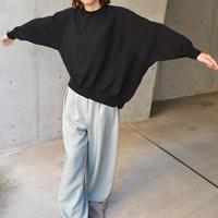 Asymmetrical sweater【オンラインストア限定】