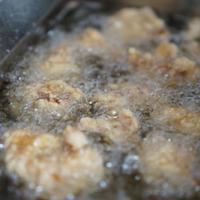 近江麦酒 「ビールに漬け込んだ唐揚げのレシピ」と糀エール が入ったイチオシ6本セット