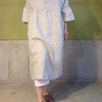 手紡ぎ手織りリネンピンタックドレス