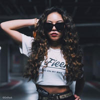 OnFleekTシャツ(ホワイト)