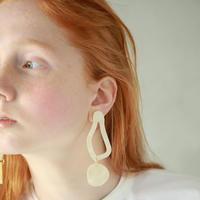 curve             earring   (earclip)