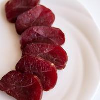 イノシシ モモ肉の燻製ハムorベーコン(Mサイズ:約110g)