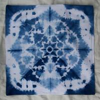 藍染めの正方形の布44x44cm