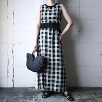 Sleeveless Back Button Dress BKIV