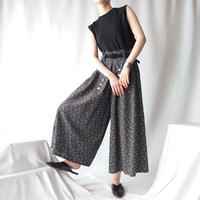 Small Flower Pattern Wide Pants BK