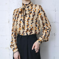 Triangle Pattern Ribbon Tie Blouse BEBK