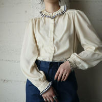 Pleated & Line Collar Blouse IVNV