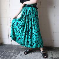 Flower Pattern Tuck Flared Skirt GNBK