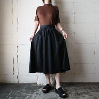 V Design Studs  Flared Skirt BK