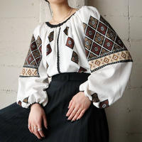 Vintage Embroidery Blouse WHBR