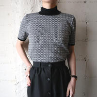 Geometric Pattern Mock Neck Knit BKWH