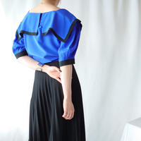 Square CollarBicolor Blouse BLBK