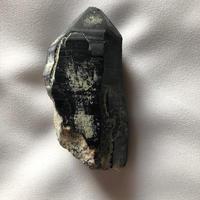 ②モリオン・チベット産(幅4.5㎝・縦9cm)