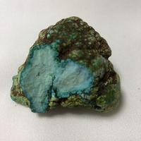 ターコイズ原石(アリゾナ州産・5.5㎝×4.5㎝)