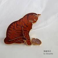 エナメル(七宝)ブローチ・茶トラとねずみ(02-304)