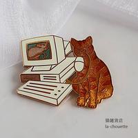 エナメル(七宝)ブローチ・パソコン猫 (02-309)