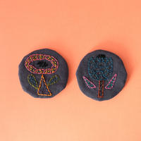 atelier taffeta/アトリエタフタ「刺繍ブローチ 花」