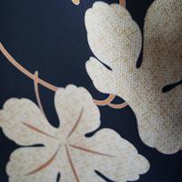 【袷羽織】仕立て下ろし・黒地に柏の葉柄羽織