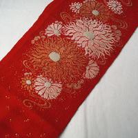 【半衿】赤ちりめん地 菊文 アンティーク刺繍半襟