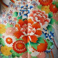 【袷】四季の花々と雲取文 振袖