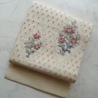 【なごや帯】生成り色 花文相良刺繍 紬地なごや帯