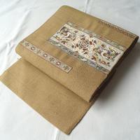 【夏なごや帯】薄黄橡 (ウスキツルバミ)色地 刺繍文 なごや帯