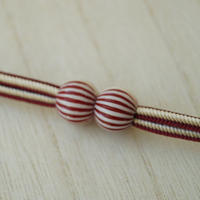 【羽織紐】深緋色縞文ビーズ マグネット羽織紐