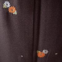 【袷】憲法色×黒鳶色たたき染めにとび花刺繍小紋