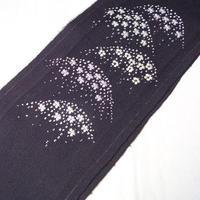 【半衿】セミアンティーク 濃紫ちりめん地 桜遠山文 刺繍