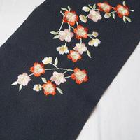 【半衿】黒地 桜文 刺繍半襟